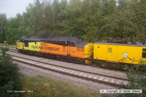 160921-020  Colas Rail Freight class 37 no 37219 is seen at the rear of PLPR (Plain Line Pattern Recognition) test train 1Q21, 08.34 Derby R.T.C. to Derby R.T.C. and is captured approaching Boughton Junction on the High Marnham Test Track.