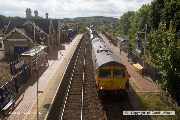 160922-043  GB Railfreight class 66/7 no 66767 with nine modified HYA hoppers in tow, waits for the right of way as 4F88, 11.15 Shirebrook, W.H. Davis to Doncaster down decoy.