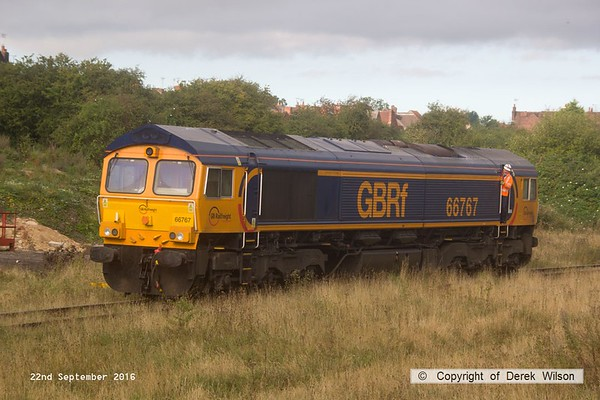 160922-031  GB Railfreight class 66/7 no 66767 is seen on Davis's transfer siding.