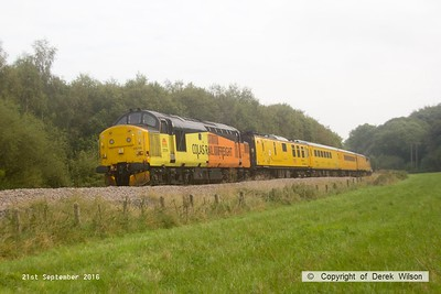 160921-027  Colas Rail Freight class 37 no 37219 is seen leading PLPR (Plain Line Pattern Recognition) test train 1Q21, 08.34 Derby R.T.C. to Derby R.T.C. and is captured passing Boughton Junction on the High Marnham Test Track, as it heads back from Tuxford. Just visible is 37175 at the rear.