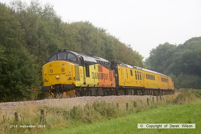 160921-025  Colas Rail Freight class 37 no 37219 is seen leading PLPR (Plain Line Pattern Recognition) test train 1Q21, 08.34 Derby R.T.C. to Derby R.T.C. and is captured passing Boughton Junction on the High Marnham Test Track, as it heads back from Tuxford. Just visible is 37175 at the rear.