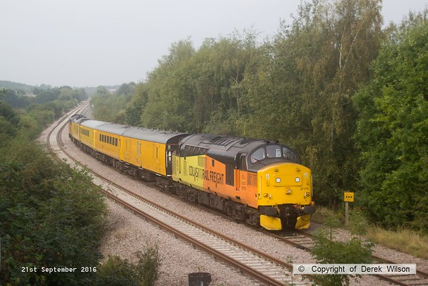 160921-014  PLPR (Plain Line Pattern Recognition) test train 1Q21, 08.34  Derby R.T.C. to Derby R.T.C. is captured passing Ollerton on the High Marnham Test Track, powered by top & tail Colas class 37's. Leading the train , towards Boughton Junction is 37175, and at the rear is 37219.