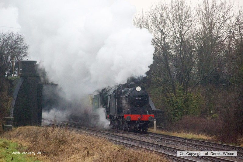170128-001  Southern Railway Q class 0-6-0 No 30541 & N15 4-6-0 No 777 Sir Lamiel are captured passing a dreary Woodthorpe, powering the 09:00 Loughborough - Leicester North.