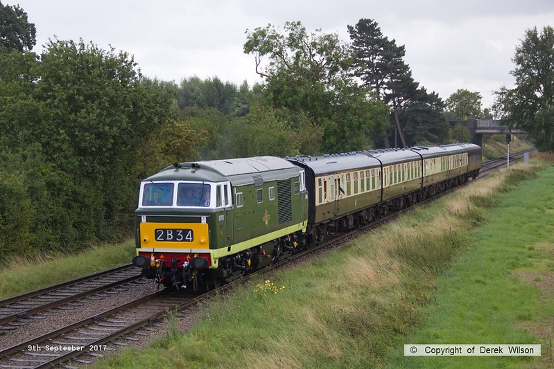 170909-046  Hymek No D7017 passing Woodthorpe with the 15:00 Leicester North - Loughborough.