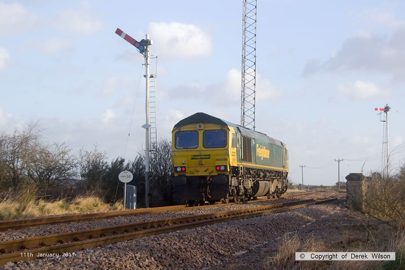 170111-008  Freightliner class 66/5 No 66596 passes Clipstone East Junction, running as 0Y37, 10:05 Toton North Yard - Thoresby Colliery Junction. This was heading to Tuxford to collect a High Output Ballast Cleaner that has been commissioned on the test track, an attempt to take it to Toton the previous week was aborted.