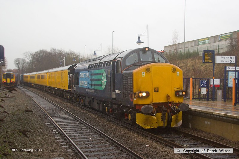 170109-002  Network Rail 'Plain Line Pattern Recognition' test train 1Q64, 08:53 Derby R.T.C. - Leeds, Neville Hill T. & R. S. M. D. is seen passing through Mansfield Woodhouse, powered 'top & tail' by Direct Rail Services class 37's No's 37602 & 37610.