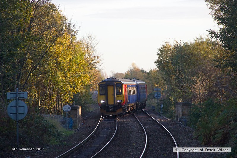 171106-001  East Midlands Trains class 156 unit No 156470 is seen crossing over as it arrives at Mansfield Woodhouse with 2H17, the 14:55 Nottingham - Mansfield Woodhouse.