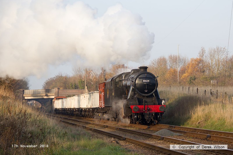 181117-031  LMS Stanier 8F 2-8-0 No. 48624 approaching Woodthorpe with the mineral wagons, powering 9C25, 14:10 Lougborough - Rothley Brook.