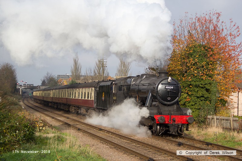 181117-021  LMS Stanier 8F 2-8-0 No. 48624 sets off with 2A16, the 12:30 Lougborough - Leicester North.