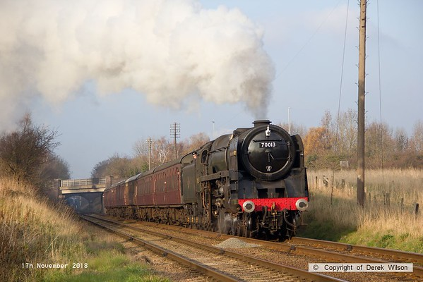 181117-030  BR Britannia 4-6-2 No. 70013 Oliver Cromwell approaching Woodthorpe with 2A24, the 13:50 Lougborough - Leicester North.