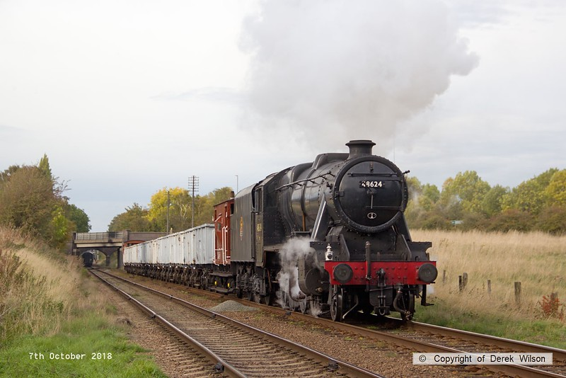 181007-086  LMS Stanier 8F 2-8-0 No. 48624 approaches Woodthorpe bridge with the mineral wagons, running as 9C35, the 15:30 Loughborough - Rothley Brook.