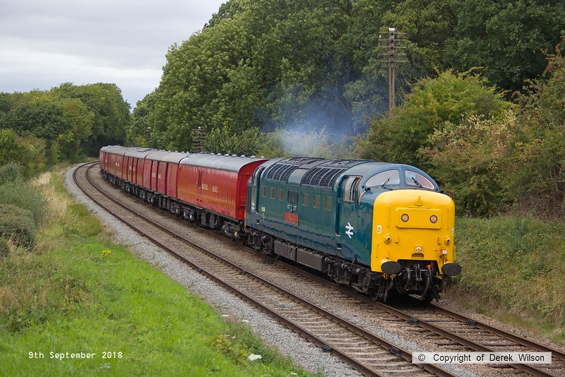 180909-081  English Electric 'Deltic' type 5 (class 55) No. 55019 Royal Highland Fusilier makes easy work with the TPO set as it passes Kinchley Lane, running as 1X30, 14:20 Loughborough - Rothley Brook.