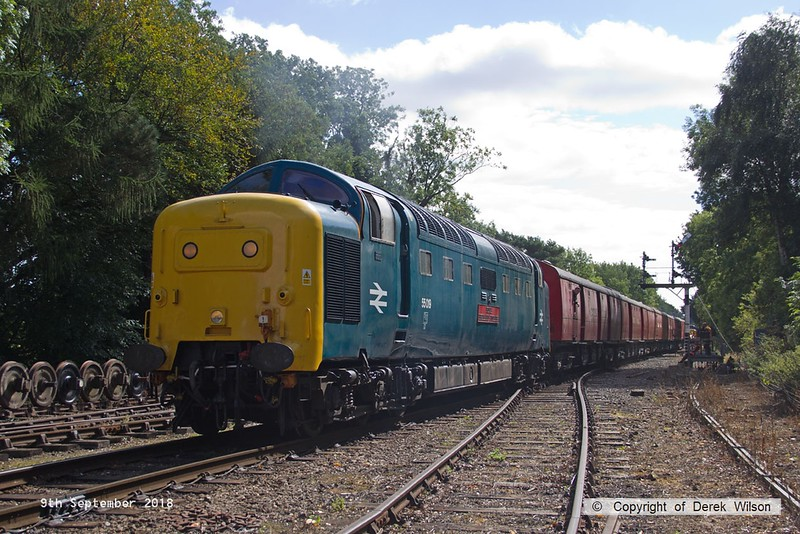 180909-065  English Electric 'Deltic' type 5 (class 55) No. 55019 Royal Highland Fusilier is captured pulling away from Rothley Brook with the TPO set. 3D18, 12:38 Rothley Brook - Loughborough.