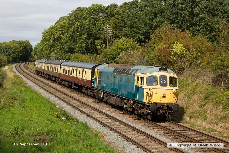 180909-073  BRCW type 3 (class 33) No. D6535 is captured passing Kinchley Lane, powering 2C26, the 13:35 Loughborough - Rothley Brook.