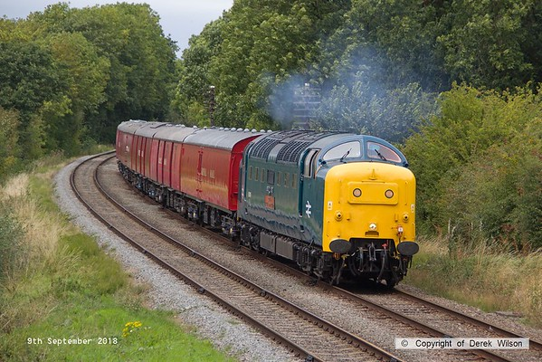 180909-079  English Electric 'Deltic' type 5 (class 55) No. 55019 Royal Highland Fusilier makes easy work with the TPO set as it passes Kinchley Lane, running as 1X30, 14:20 Loughborough - Rothley Brook.
