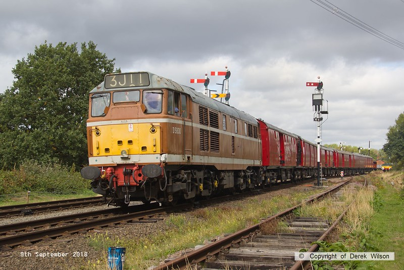 180909-024  Brush type 2 (class 31) No. D5830 pulling out of Swithland sidings with the TPO set, running as 3J11, 11:20 Swithland sidings - Rothley Brook.