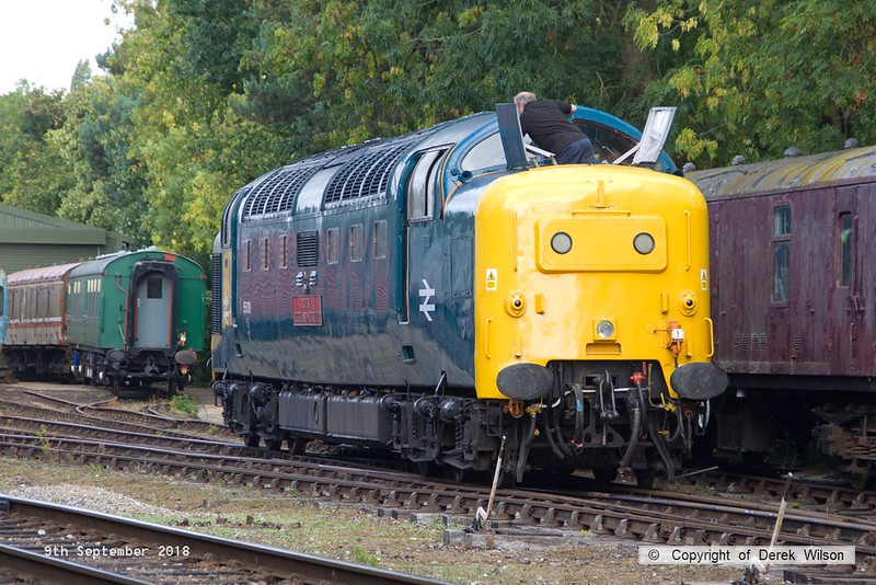 180909-055  English Electric 'Deltic' type 5 (class 55) No. 55019 Royal Highland Fusilier having it's windscreen cleaned whilst stabled at Rothley.
