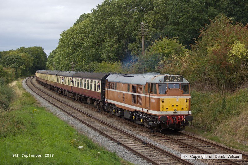 180909-077  Brush type 2 (class 31) No. D5830 is captured passing Kinchley Lane, powering 2A29, 14:00 Loughborough - Leicester North.