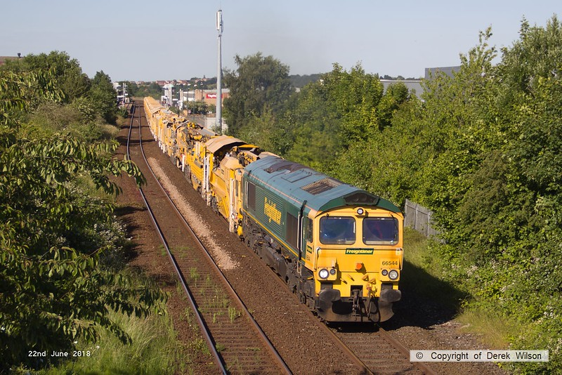 160622-008  Freightliner class 66/5 No. 66544 is captured passing through Mansfield, powering train 6Y39, 19:13 Thoresby Colliery Junction - Fairwater Yard, Taunton. This left Thoresby around three hours early but was held on arrival at Toton.