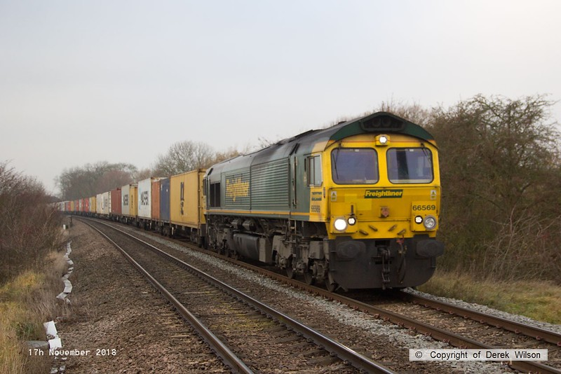 181117-006  Freightliner class 66/5 No. 66569 is seen passing Frisby, near Melton Mobray, powering diverted Intermodal 4L89, 22:01 Coatbridge - Felixtowe North F.L.T.