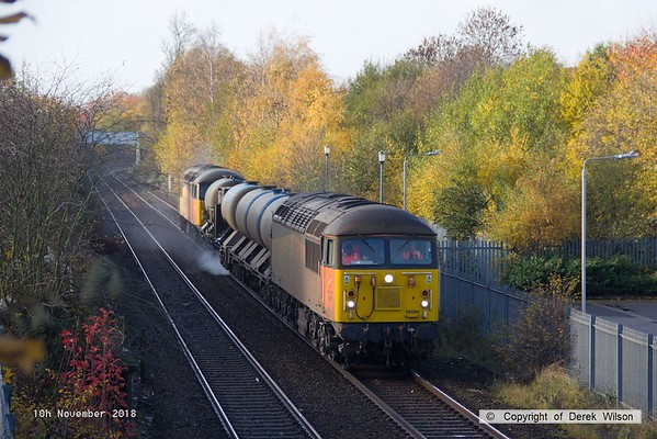 181110-002  Colas Rail Freight class 56's No's 56090 & 56105 are seen in top & tail mode, powering RHTT 3J89, 05:00 Stapleford & Sandiacre - Toton T.M.D.. Captured passing a colourful Tenter Lane, Mansfield.