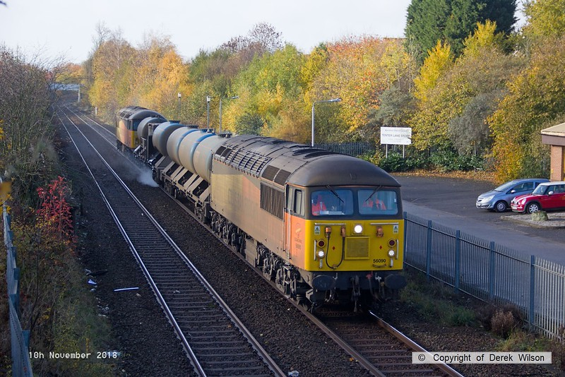 181110-005  Colas Rail Freight class 56's No's 56090 & 56105 are seen in top & tail mode, powering RHTT 3J89, 05:00 Stapleford & Sandiacre - Toton T.M.D.. Captured passing a colourful Tenter Lane, Mansfield.