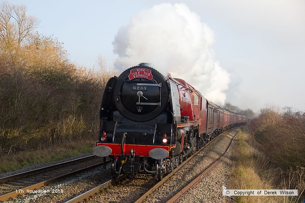 181117-013  LMS Duchess 4-6-2 No. 6233 Duchess of Sutherland thunders past Frisby, powering 'York Yule Tide Express', train 1Z57, the 07:10 Ealing Broadway - York.