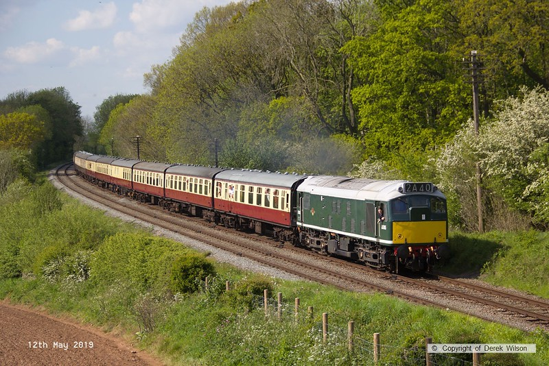 190512-074  BR type two, class 25 No. D5185 passing Kinchley Lane powering 2A40, 15:00 Loughborough - Leicester North.