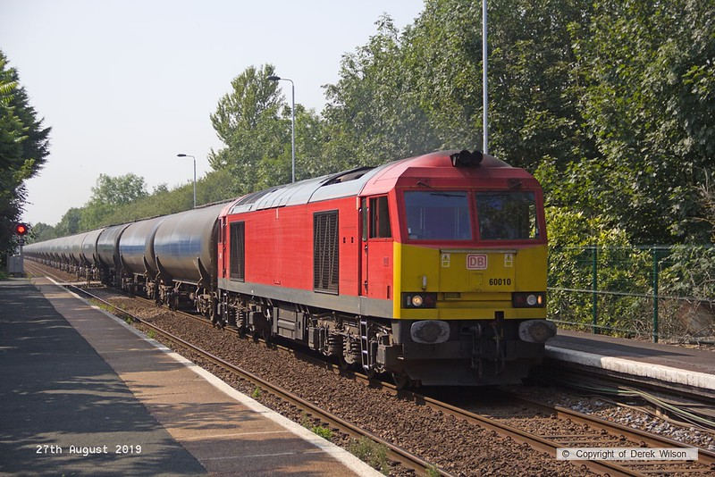 190827-006  DB Cargo class 60 No. 60010 is captured passing Rolleston, powering train 6E54, 10:34 Kingsbury oil sidings - Humber oil refinery.
