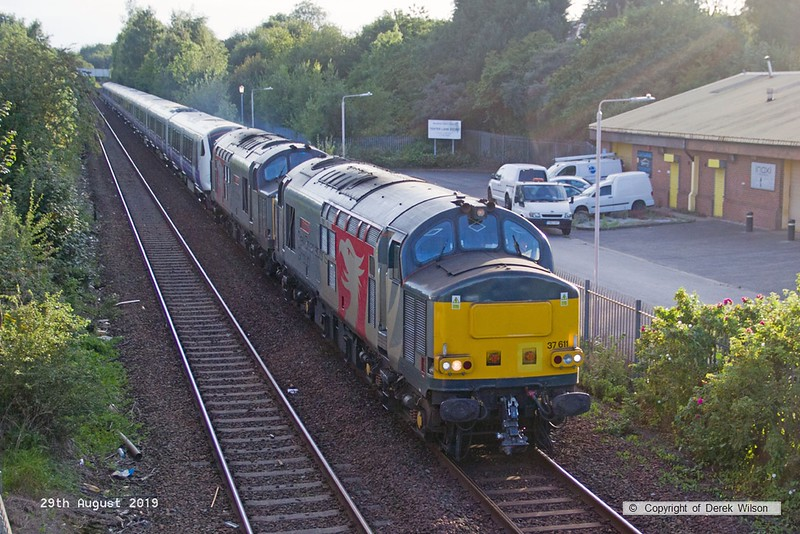 190829-002  Rail Opreations Group (ROG) class 37's No's 37611 Pegasus & 37800 Cassiopeia roar past Tenter Lane, Mansfield, powering 5Q26, 12:11 Hanwell Bridge loop - Worksop down yard. In tow is Crossrail electric unit No. 345063. This started from Old Oak depot as 5Q26, 08:06 to Worksop down yard but was terminated at Hanwell loop after arriving 60 mins down.
