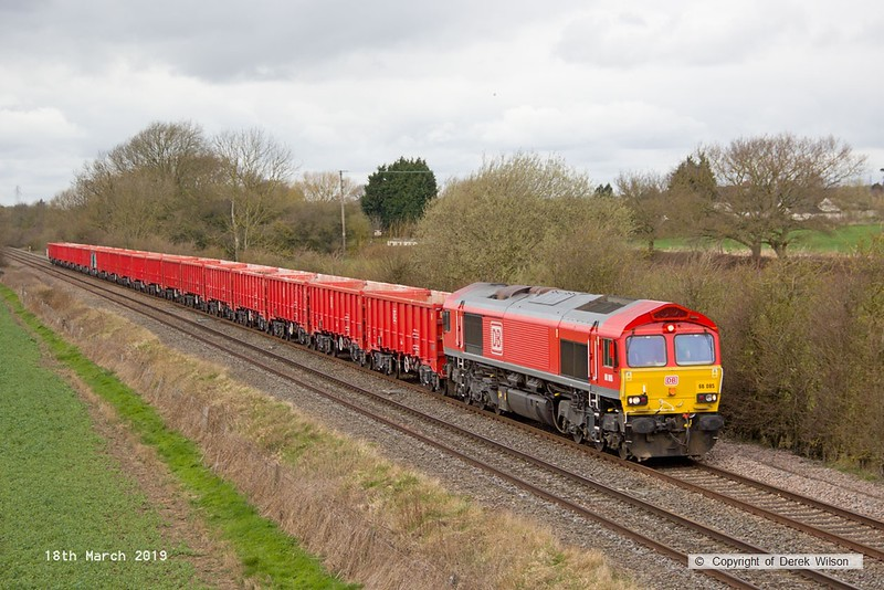 190318-016  DB Cargo class 66/0 No. 66085 is captured passing Barrow upon Trent, powering train 6M82, 12:43 Walsall - Briggs Sidings.