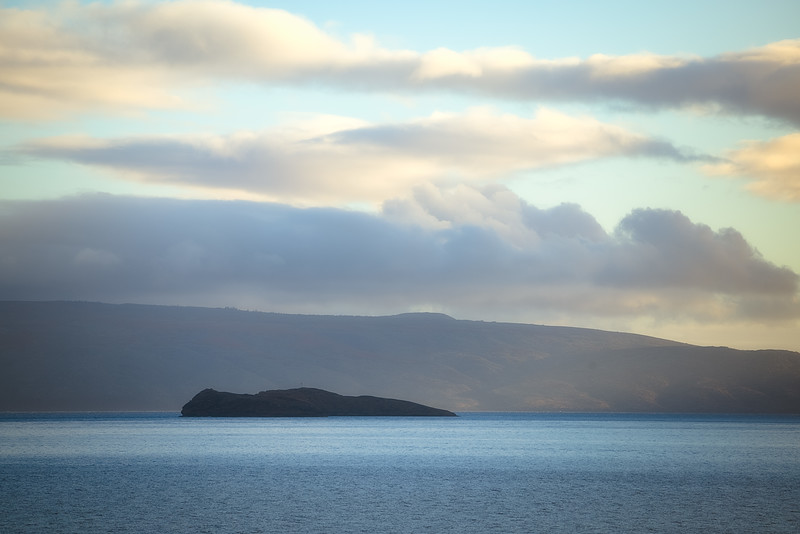 Molokini in front of Kaho'olawe