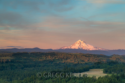 Mt Hood and the Revenue homestead area from Jonsrud Viewpoint