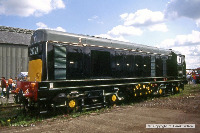 940821-060  English Electric type 1, class 20 No. D8188 (20188), in Waterman Railways livery at Crewe Railfair.