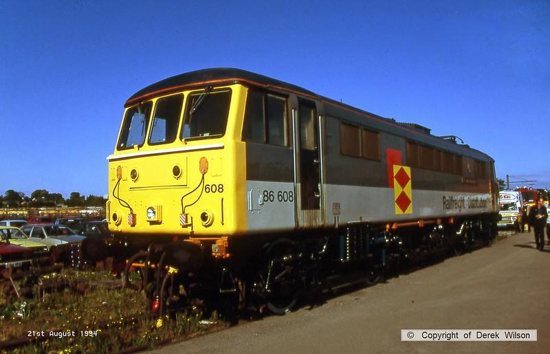 940821-004  Railfreight Distribution class 86 No. 86608 at Crewe Railfair.
