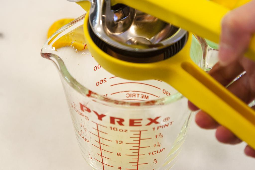 Juicing Meyer Lemons for Slammin Lemonade