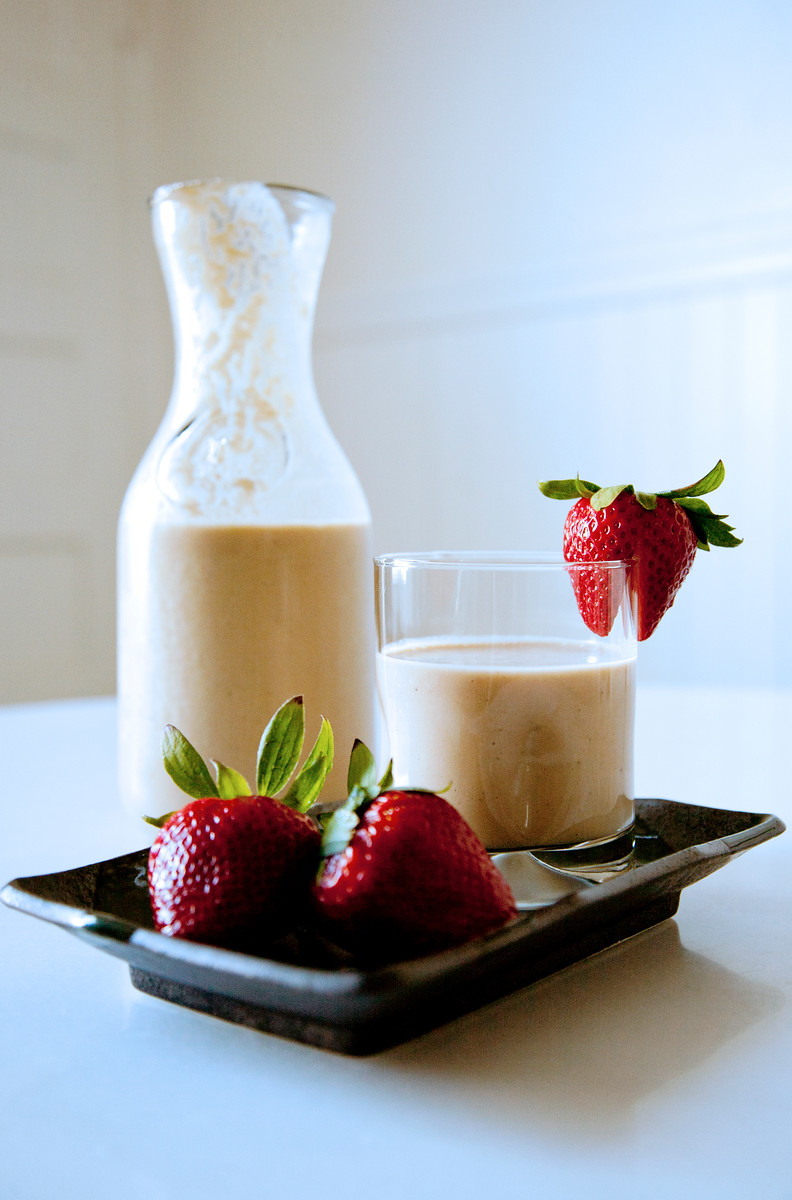 Apple Strawberry Yogurt Smoothie