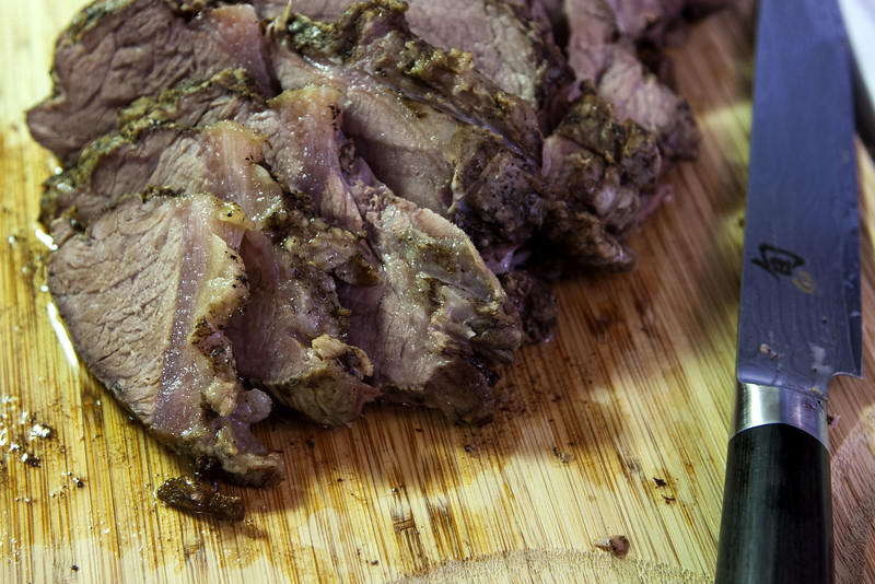 Slice Slow Cooker Chuck Roast Against the Grain