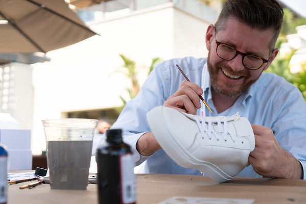 Intensive: Sneaker customization