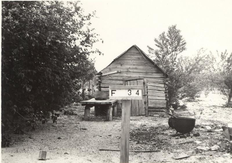 Cam Smith's Smoke house & wash pot_002