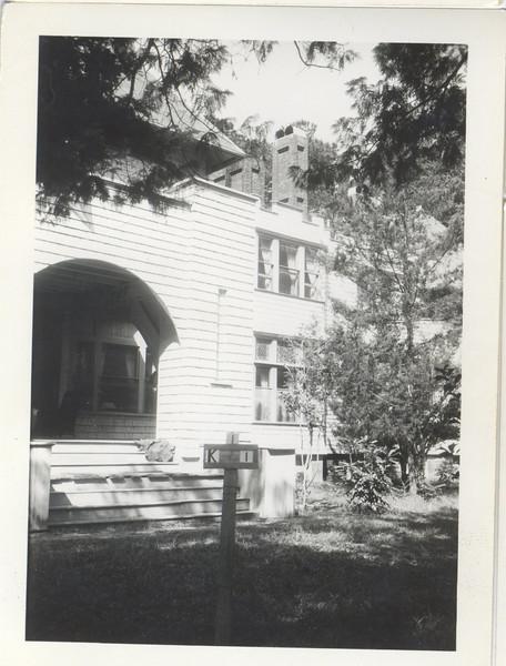 K 1 photo 1 front porch