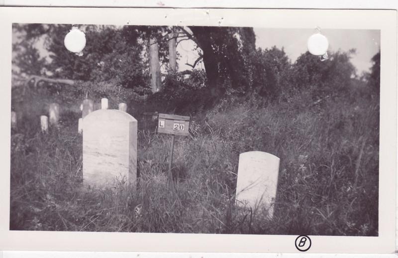 L 20 Old Pollock graveyard photo 2