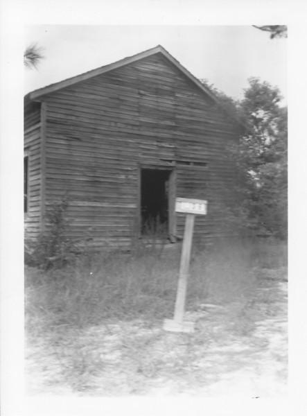 L-36 Dixon, Mary-photo