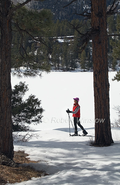 Model Released, Female Snowshoer, Haviland Lake, San Juan National Forest, Durango, Colorado, USA, North America
