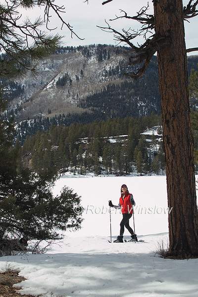 Model Released, Female Snowshoer, Marilyn Leftwich, Haviland Lake, San Juan National Forest, Durango, Colorado, USA, North America