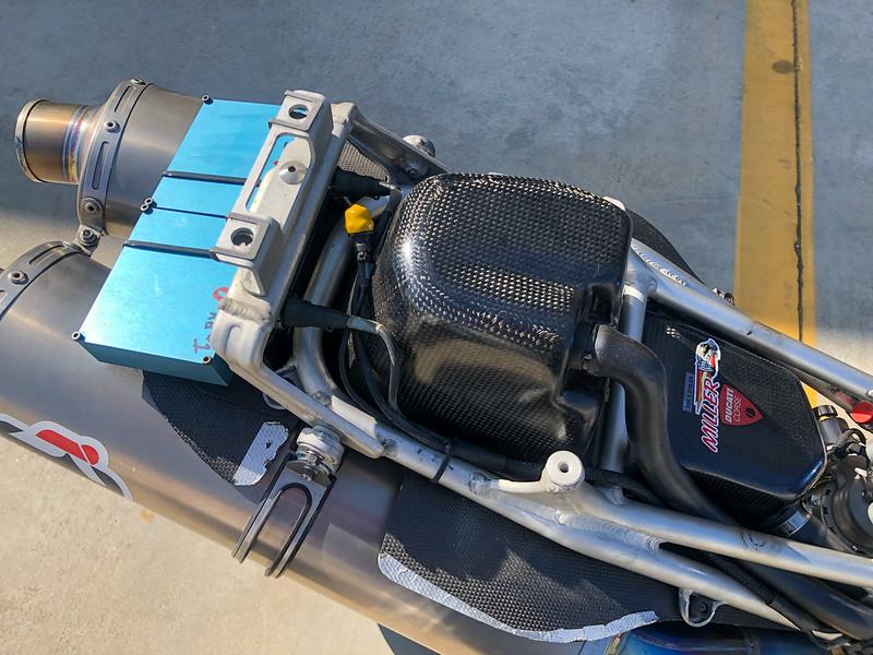 Red Bull Ducati 998RS -  (20)