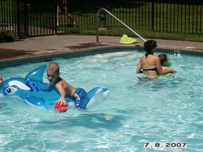 20070708 - Pool Party at Kelbelle's