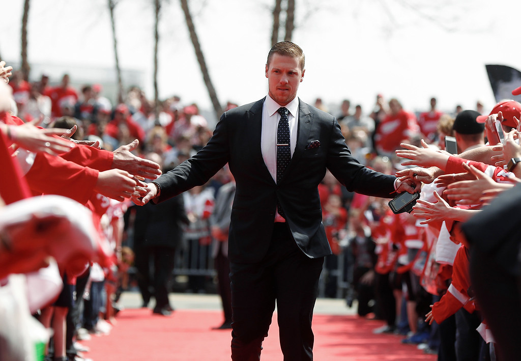 . Detroit Red Wings goalie Jimmy Howard enters Joe Louis Arena before the final NHL hockey game at the stadium between the Detroit Red Wings and New Jersey Devils, Sunday, April 9, 2017, in Detroit. (AP Photo/Paul Sancya)