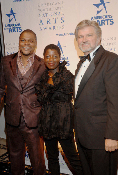 Oct. 6th, 2008 National Arts Awards,<br /> Kehinde Wiley, honoree, with Thelma Golden and Americans for Arts President and CEO ROBERT L.LYNCH<br /> (Credit Image: © Chris Kralik/KEYSTONE Press)