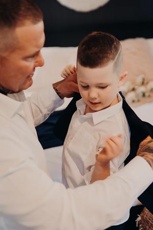 18_H+J_Groom_Prep_at_Sandstone_Point_Hotel_She_Said_Yes_Wedding_Photography_Brisbane